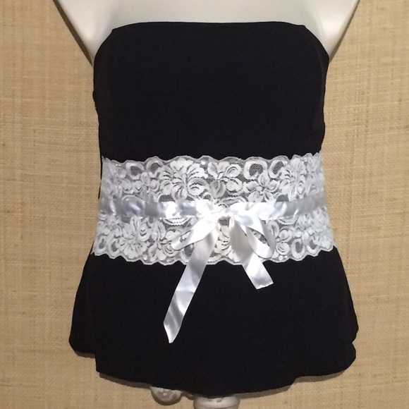 bc5c457235cc90 ... strapless top with cream lace band. M 5b09399646aa7c31a05d8af2
